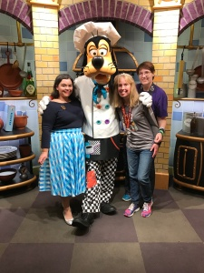 Tawn, Goofy, Me & Cathy at Goofy's Kitchen!