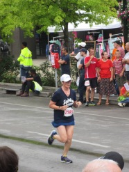 Linda heading to the finish of the Bluegrass 10,000